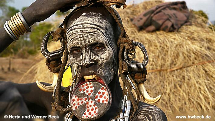 Afrikanische frauen halsschmuck